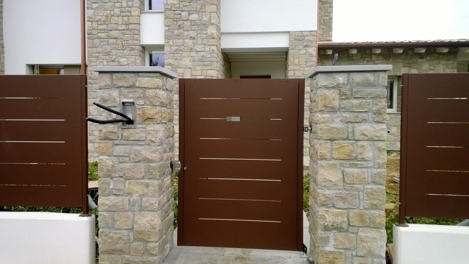 Cancello pedonale modello mare cmc group recinzioni - Cancelli in legno per esterno ...